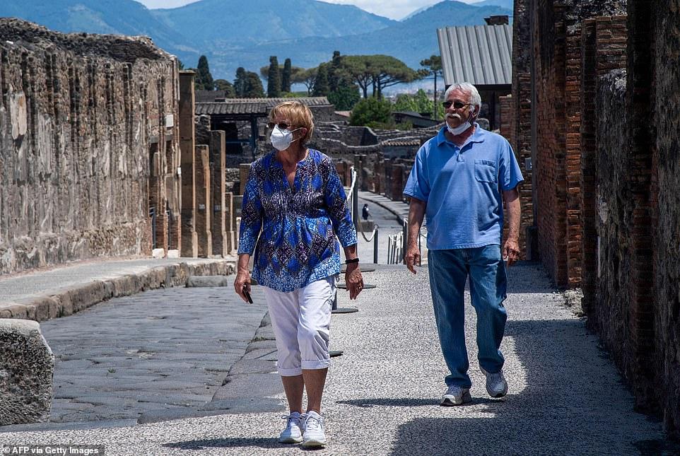 Ikën për pushime, çifti italian bllokohen nga koronavirusi në Itali