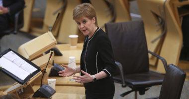 """Skocia gati planin për fazën e 2 të pandemisë: """"Testim, Gjurmim, Izolim, Mbështetje"""""""