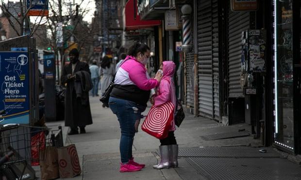 Shfaqet sëmundja e padëgjuar në New York, infektohen 15 fëmijë