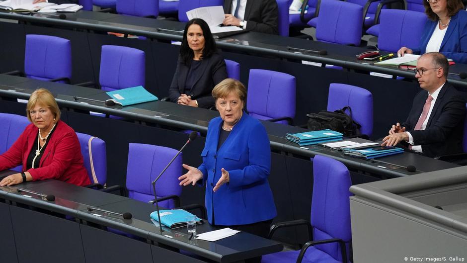 Merkel akuzon ashpër Rusinë për sulmet kibernetike