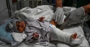 Foshnja që u qëllua me armë zjarri dy herë dhe mbijetoi nga sulmi afgan