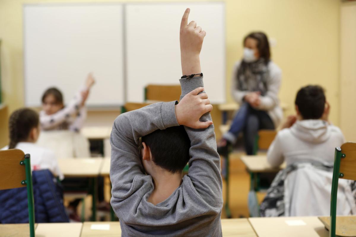 Frikë në Francë, pas rihapjes së shkollave rritet numri i fëmijëve të infektuar me koronavirus