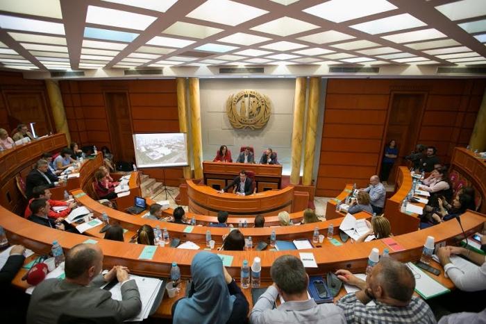 E-maili/ Anëtarja e Këshillit Bashkiak të Tiranës dorëhiqet ditën e shembjes së Teatrit