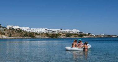 Më shumë se 2 muaj të bllokuar, Greqia rihap ishujt për vizitorët