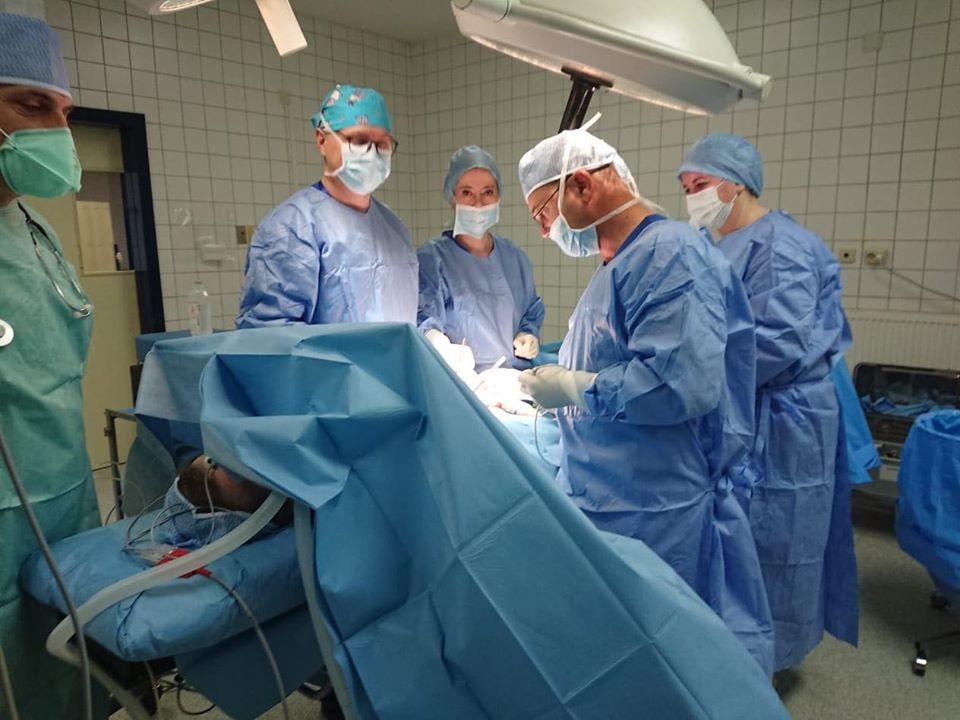 Ndërhyrje e rrallë në Spitalin e Shkodrës, ministrja Manastirliu jep lajmin