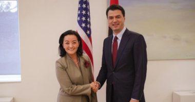 Ambasadorja Yuri Kim i shkon sot Bashës në zyrë
