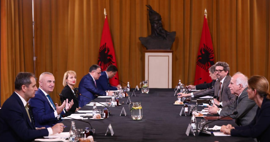 Albanian president meeting with ambassadors of 7 countries
