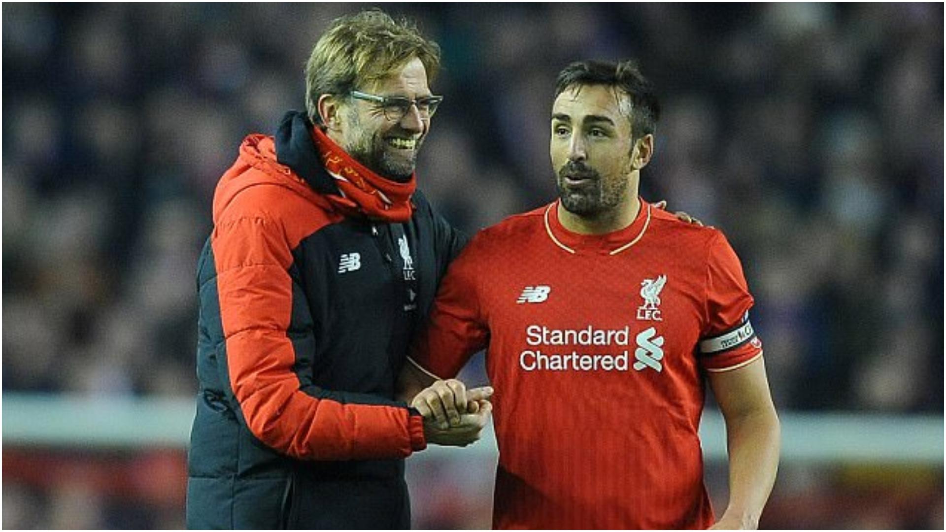 Ironi dhe sulme, ish-futbollisti i Liverpool del kundër të gjithëve!