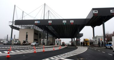 Të mbyllur që me 15 mars, Serbia rihap kufinjtë