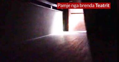 VIDEO/ PD nxjerr pamjet brenda teatrit: Policia sulmoi me armë artistët