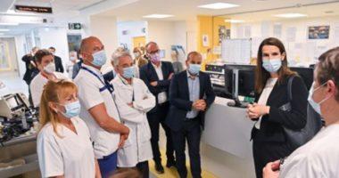 Mjekët dhe infermierët i kthejnë kurrizin kryeministres belge në shenjë proteste