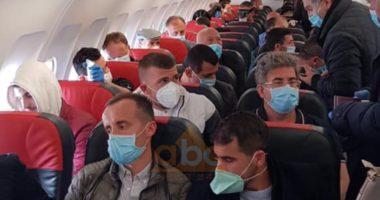 Brenda avionit me 150 shqiptarë, Hoxha: Nuk u kontrolluan, mjafton të jetë vetëm një i infektuar