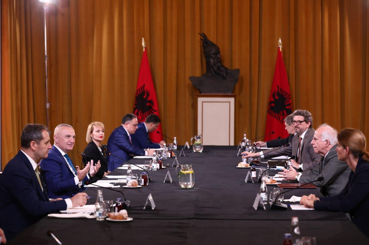 Meta takim me ambasadorët e 7 vendeve: Bashkë për një fazë të re të zbutjes të masave kufizuese