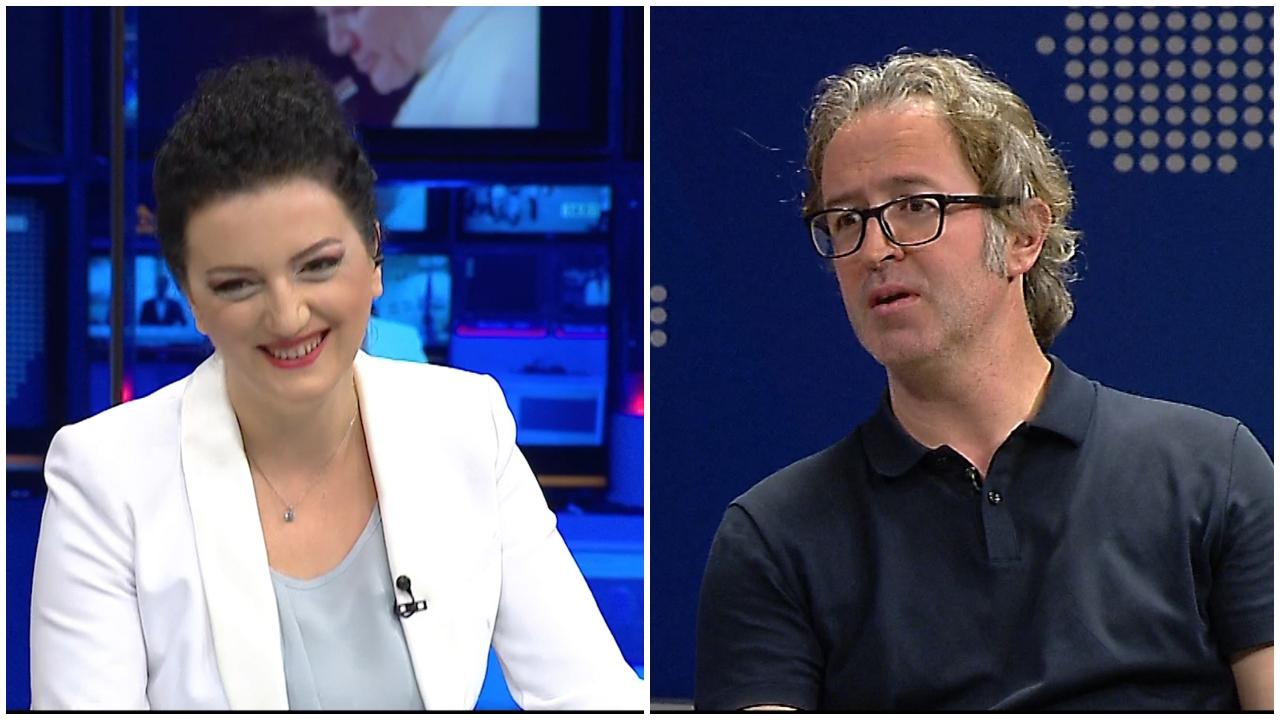 """VIDEO / """"Ka mbetur vetëm të vijë e të na puthë me llapë"""", gazetarja nuk mban dot të qeshurën nga komenti i Alizotit"""
