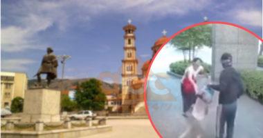 Ngjarje e rëndë në Korçë, tenton ti rrëmbejë nënës fëmijen 4-vjeç, banorët kapin autorin