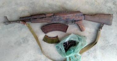Armë pa leje dhe bimë narkotike, kapen dy persona në Kukës