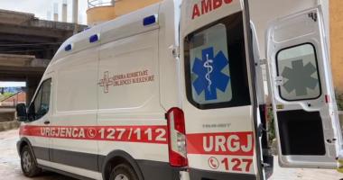 Vetëvaret në ballkonin e shtëpisë 50-vjeçari në Sarandë, zjarrëfikësja e policia në vendngjarje
