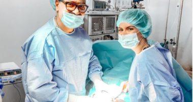 Vajza e mjekut që nisi karrierën mes plumbave të '97-ës, pret dhjetëra bebe në mes të pandemisë