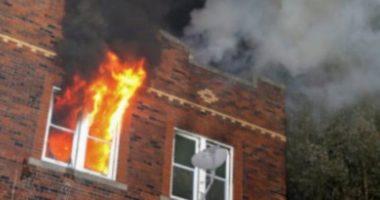 Përfshihet nga flakët banesa në Patos, dëme të shumta materiale