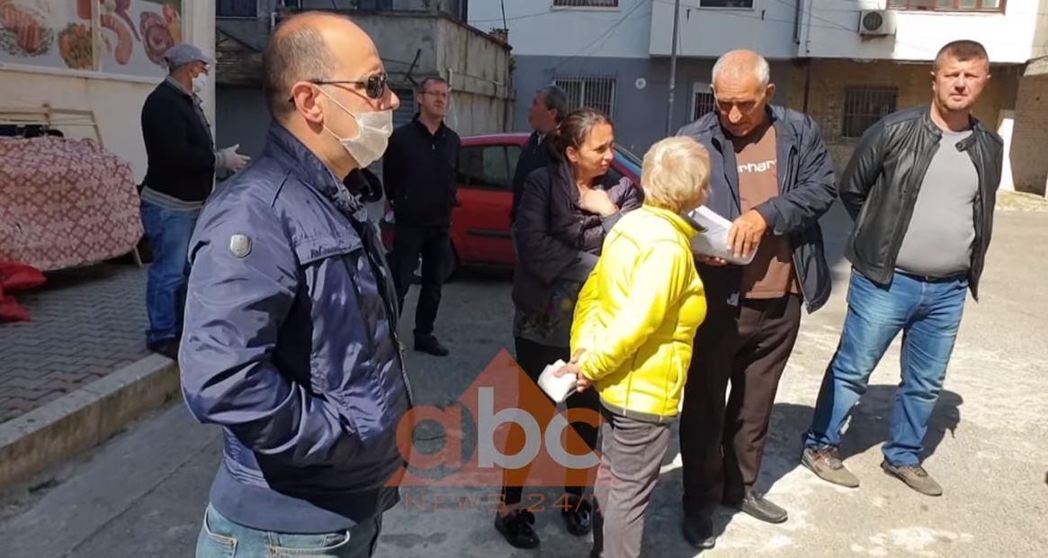 Banorët te lagjja 5 në Durrës kundër vendimit final për riparimin e pallatit: Në banesa nuk jetohet