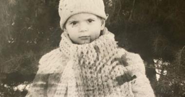 Këngëtarja e njohur bëhet nostalgjike, ndan fotot e rralla nga fëmijëria e saj