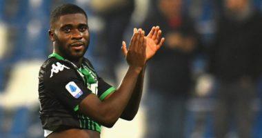Chelsea hoqi dorë, Juventusi rivalizon Napolin për një sulmues