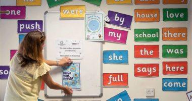 """""""Është ende shumë shpejt"""", shkollat refuzojnë urdhrin e Johnson për rihapjen e tyre"""