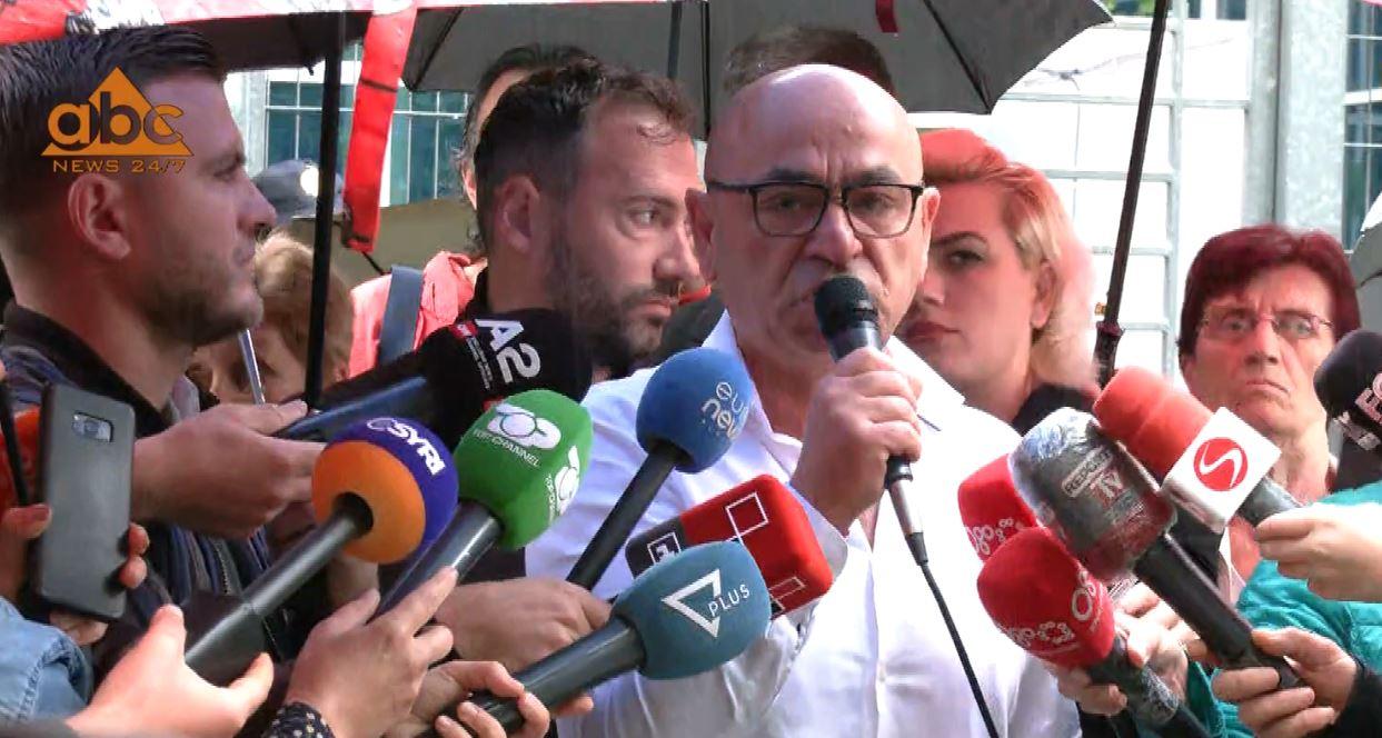 Protestë përpara SPAK, Aleanca: Shembja e teatrit tentativë për vrasje