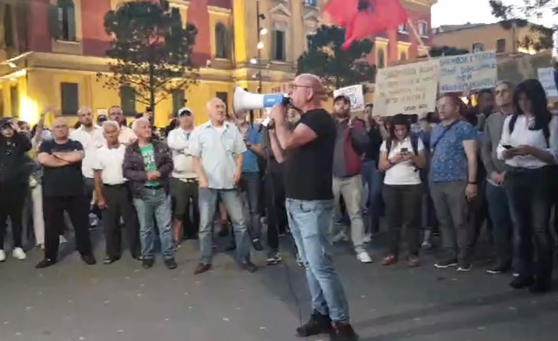 Budina kërcënon Ramën: Do t'i sjellim njerëzit para kryeministrisë zoti rrugaç!