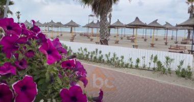 Të hënën nis plazhi, pronarët e hoteleve të paqartë, shtyjnë hapjen e subjekteve