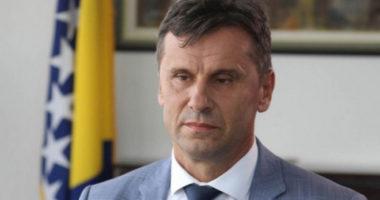 Arrestohet kryeministri boshnjak, dyshime për korrupsion për respiratorët