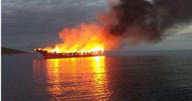 E FUNDIT/ Merr flakë peshkarexha në Durrës, shpëtohen 3 marinarët