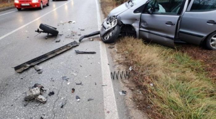 Reshjet e shiut, dy aksidente në Korçë dhe një në Pogradec: Automjeti del nga rruga