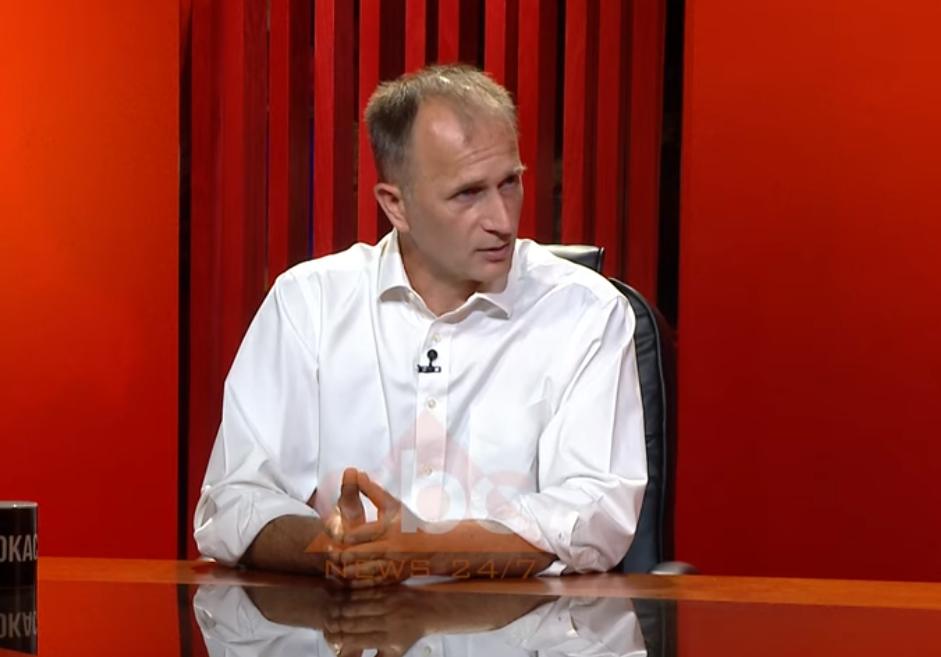 Bojaxhi: U përdor koronavirusi për të shembur Teatrin, as pas tërmetit nuk u nxorr leja kaq shpejt