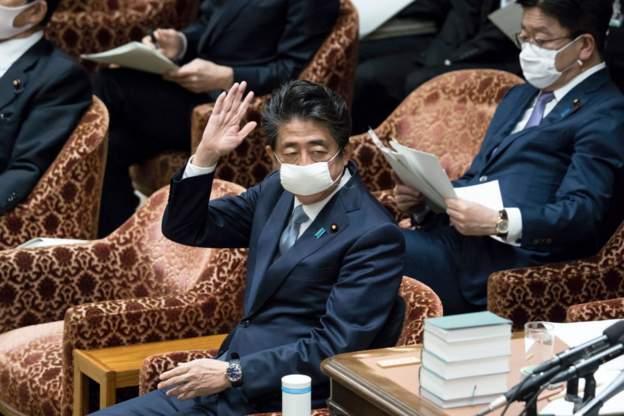 Kryeministri japonez kërkon të shtyjë gjendjen e jashtëzakonshme
