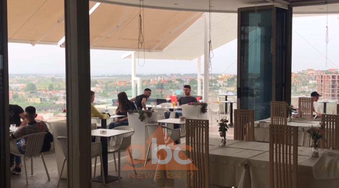 Hapen baret Shqipëri, klientët nuk respektojnë rregullat, pronarët s'janë optimiste