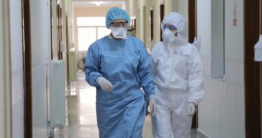 Një personel shëndetësor riinfektohet me koronavirus tre muaj pas shërimit