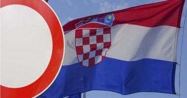 Kroacia hap kufijtë në përputhje me rekomandimet