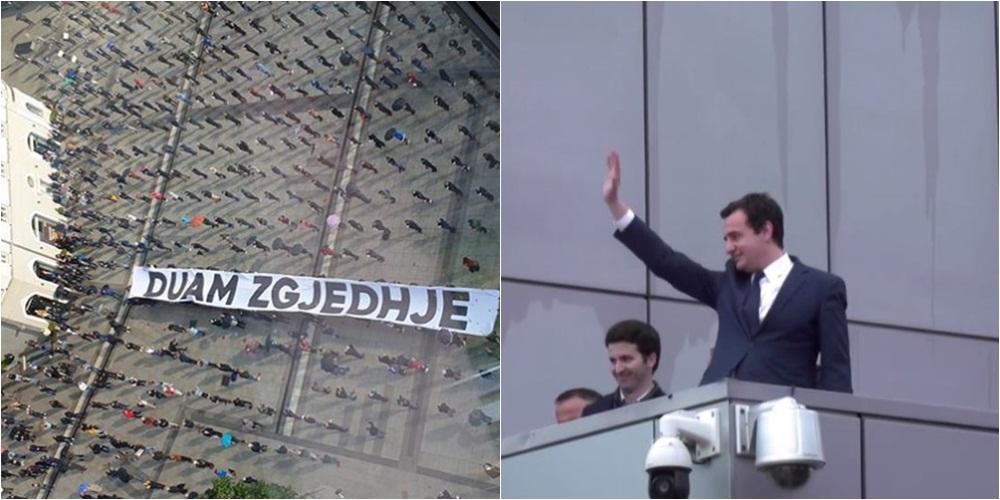 """""""Duam zgjedhje"""": Përfundon protesta """"test"""" e Vetëvendosjes, Kurti përshëndet nga ballkoni"""