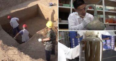 """Arkeologët zbulojnë vazon me """"lëngun misterioz"""" në varresat 2000 vjeçare"""
