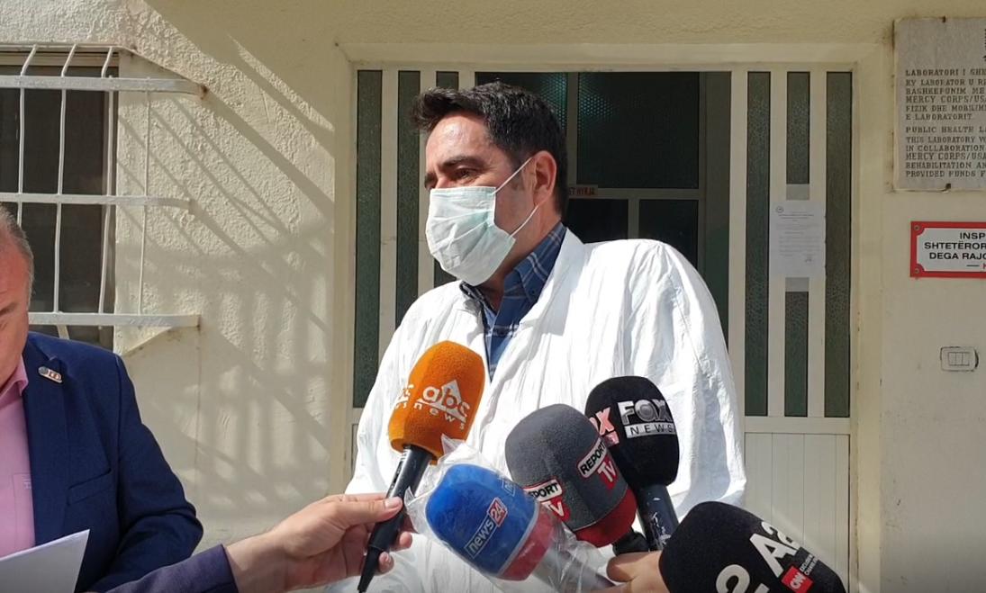 Mjekët, protestë për shpërblimin në Durrës: Kemi qenë në ballë të Pandemisë