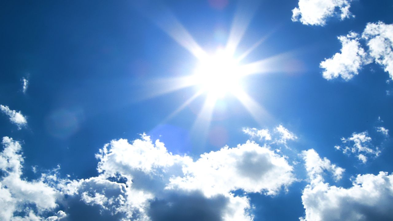 Diell paradite, por rikthehen vranësirat, si do të jetë moti këtë fundjavë?