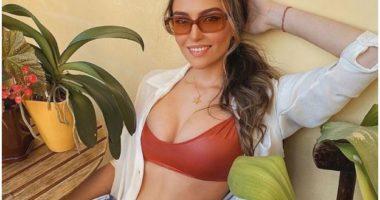 Seksi dhe joshëse, Eva Murati publikon foto me bikini
