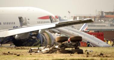 Rrëzohet avioni me 107 persona në bord, nuk dihet fati i pasagjerëve