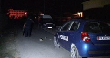 EMRI/ Vritet me armë zjarri i riu në Vlorë, pas krimit makinës i vihet zjarri