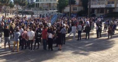 Artistët mbledhin firma në Durrës, Budina: Nëse ngrihemi të gjithë Meta shpërndan parlamentin