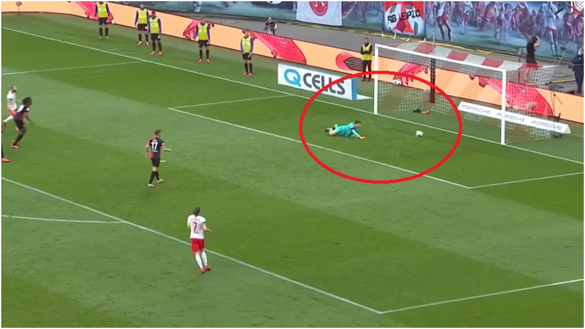VIDEO/ E kuqe dhe gafë e pafalshme, Leipzig shënon me një lojtar më pak