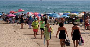 Turistët mund të rezervojnë pushimet në Spanjë duke filluar nga korriku