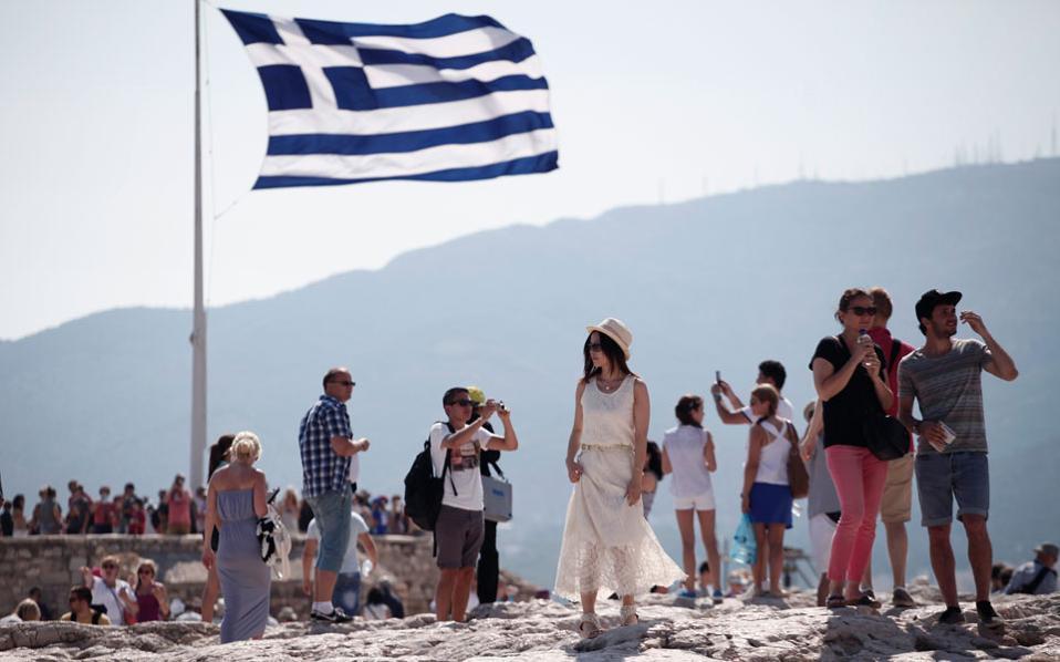 Greqia zhvillon planin prej 3 pikash për hapjen e turizmit