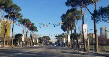Policia e Shtetit ndryshon urdhrin: Të dielën lejohet lëvizja e makinave